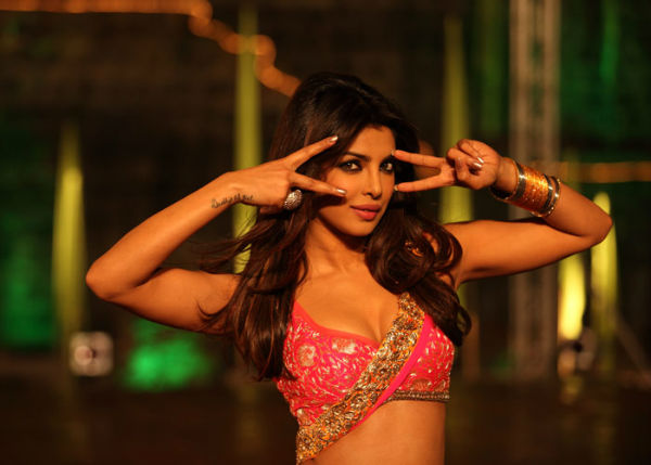 Incredibly hot Indian girl in a middle of a dance